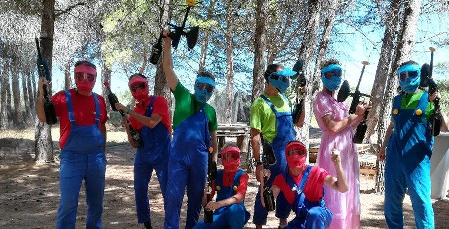 Equipe cagoulée super Mario Bross